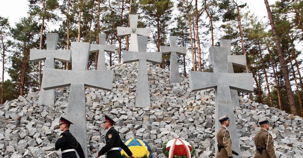 Stalin-era mass graves found in Ukraine
