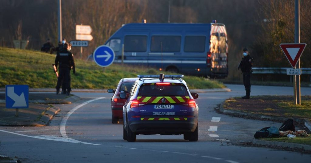 A Belgian man dies in front of his family when he wanted to help in an accident in France |  abroad