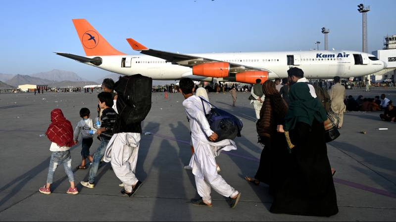 After a day of airport chaos, the evacuation from Afghanistan begins