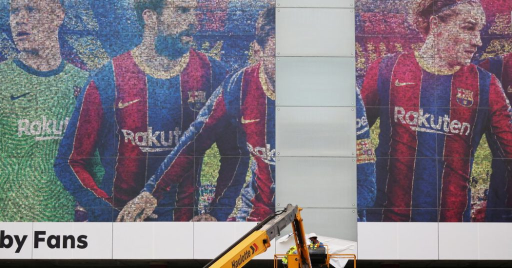 Messi's arrival in Paris reflects a difficult time in football
