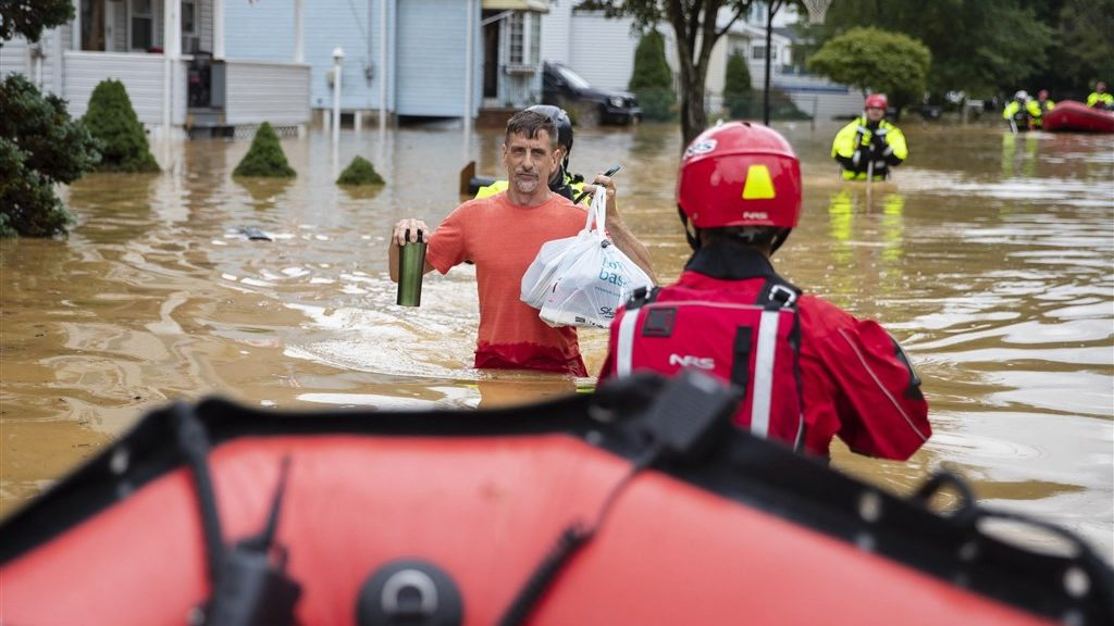 Millions of American homes without electricity after Hurricane Henry