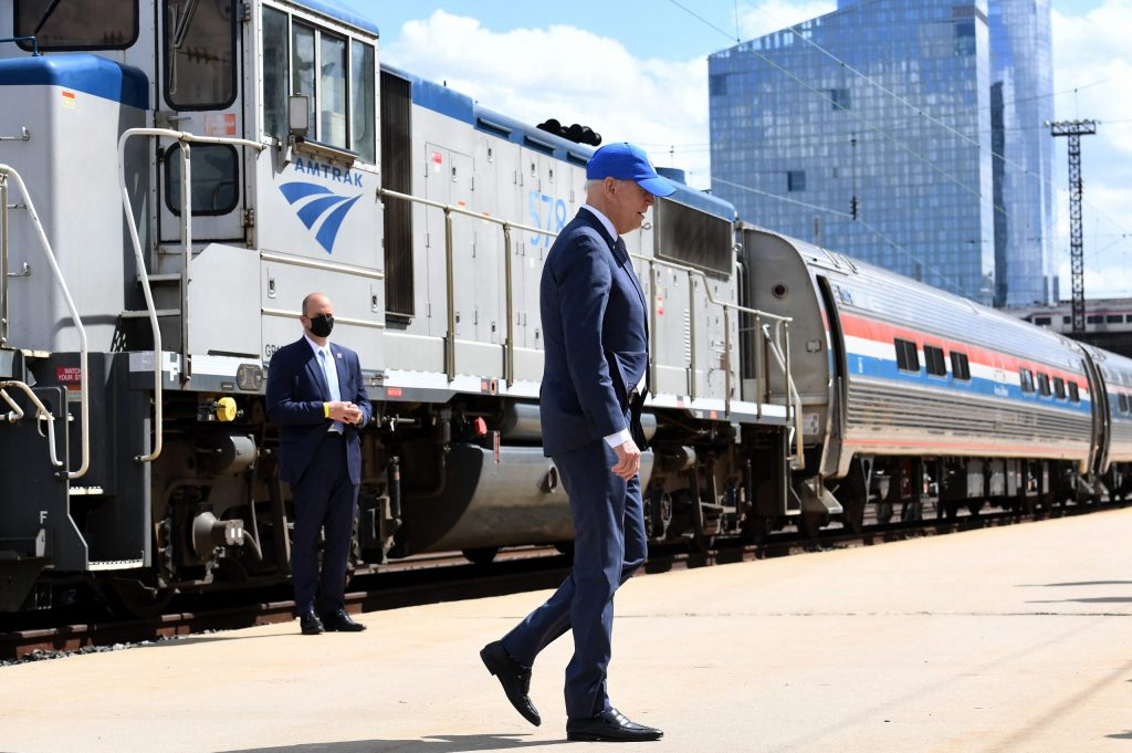 The United States plans to invest $ 66 billion in railways