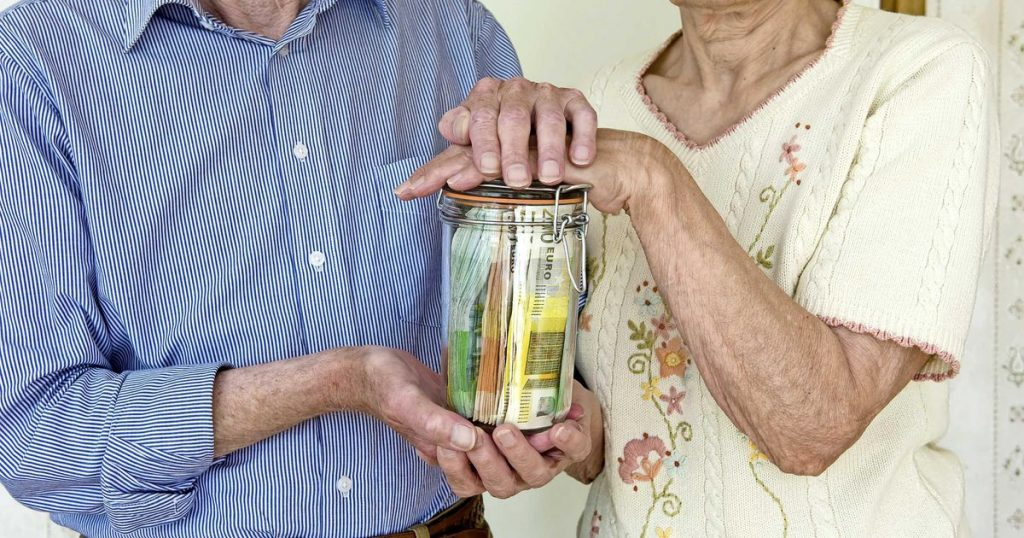 Compensation for those whose pensions have been reduced |  Financial issues