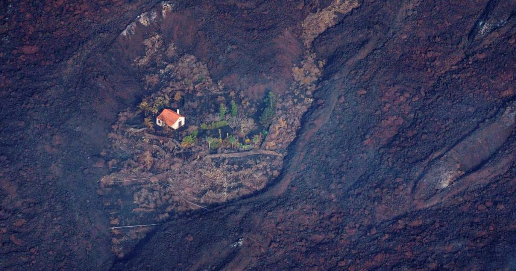 Dutch 'Wonderhuisje' that survived La Palma volcano spread all over the world |  Instagram