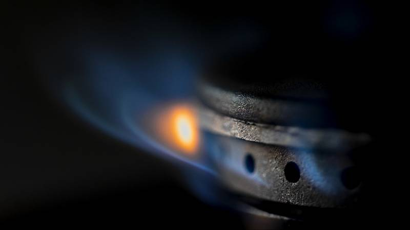 Energy tax fell by dozens, but gas prices rose by hundreds