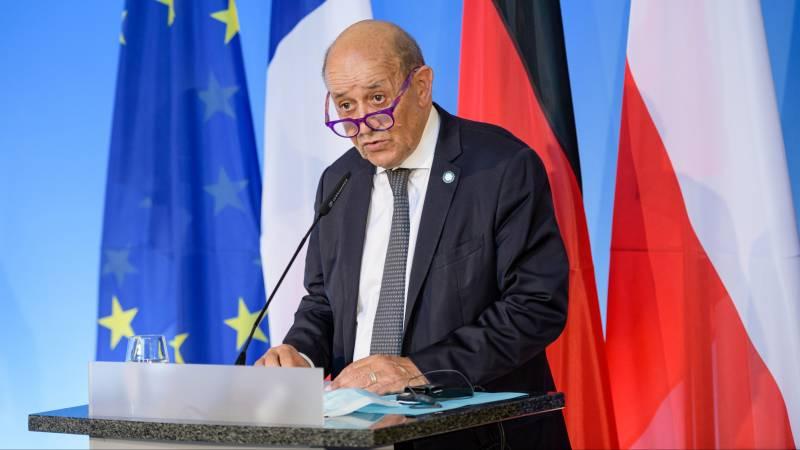 France recalls US and Australian ambassadors over security deal