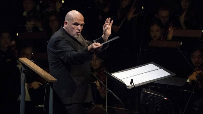 Jaap van Zuyden has announced his departure as conductor of the New York Philharmonic