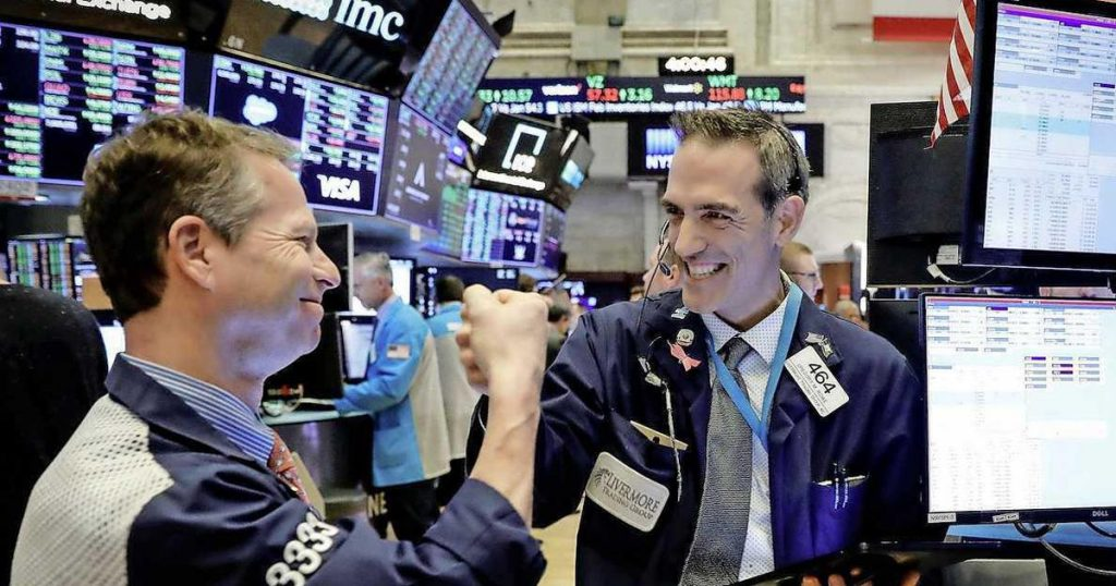 Record S&P 500 and Nasdaq in Job Market Growth    Financial issues